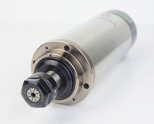 HF spindel HFS-8022 voorzijde met spantang en spantanghouder
