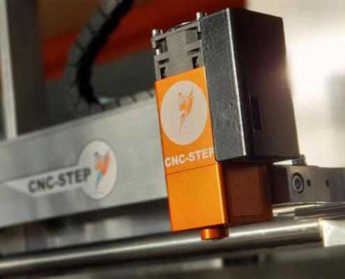 Lasermodule gemonteerd op een High-Z CNC machine