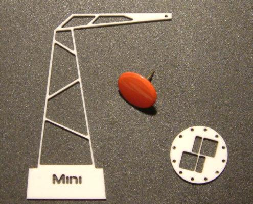 Minitieuze profielen voor modelbouw (punaise voor schaal)