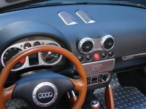 Deze Audi is voorzien van een hoogwaardige aluminium afwerking