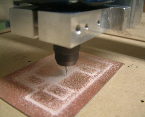 Printplaten boren en frezen
