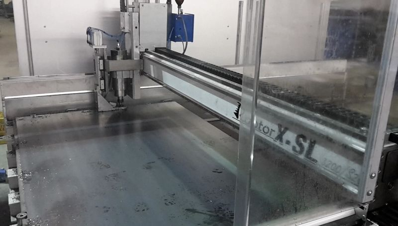 Staalplaat boren en verzinken in één bewerking