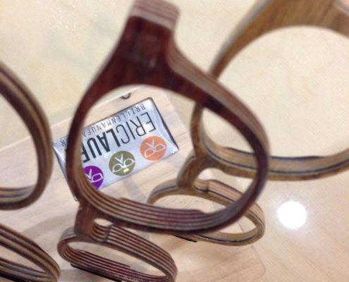 Houten brillen frezen