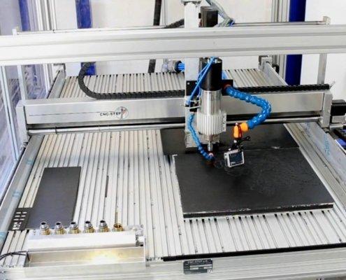 Koolstofvezel frezen op een CNC freesmachine