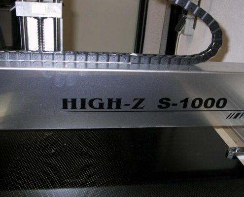 Een High-Z S-1000 met een nog maagdelijke plaat CFK koolstofvezel