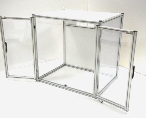 CNC-freesmachine - behuizing van aluminium en polycarbonaat
