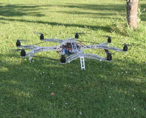 De doe-het-zelf DIY multicopter is gereed voor gebruik