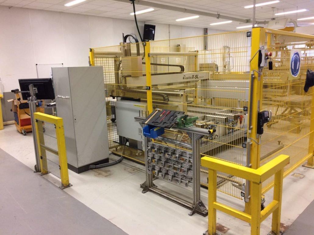 Machinehekwerk als afscherming voor een CNC-STEP RaptorX-SL portaalfreesmachine