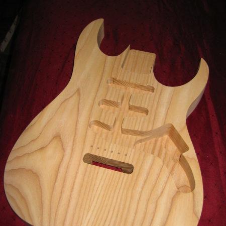 Houtbewerking-voorbeeld: elektrische gitaren