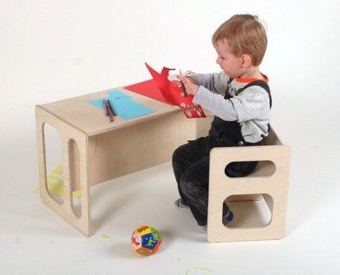 Kindermeubels: tafel en stoel