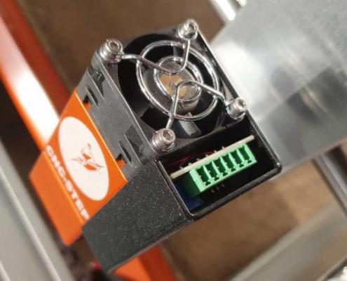Close-up van de koeling en electronische aansluiting