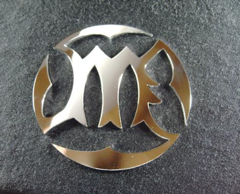 Logo's en emblemen uit staal