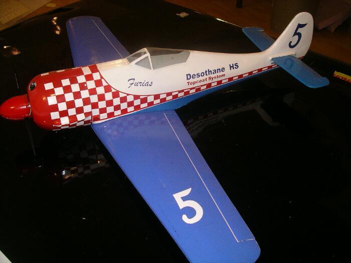 Modelvliegtuigen maken met een CNC-machine