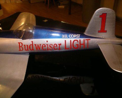 Vliegend vliegtuigmodel: F4U